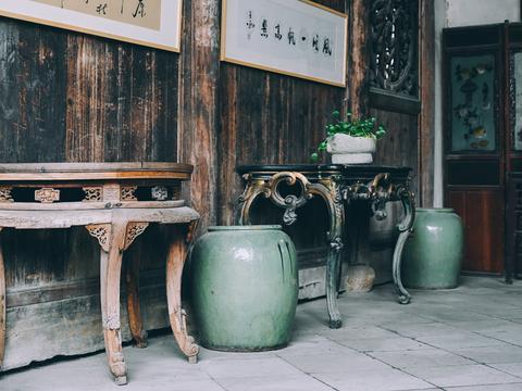 """它号称""""江南第一雕花大楼"""",藏在宁波古镇中,却几乎没有游客"""