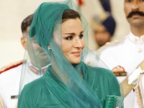 从罪犯之女到卡塔尔王后,莫扎的传奇人生
