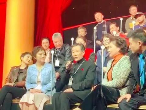 李雪健现身综艺节目,说话吃力语速缓慢,曾与黄海波以师徒相称