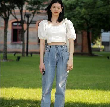 """大火的""""Lisa风""""搭配,这条裤子最好看,潮人喜欢"""