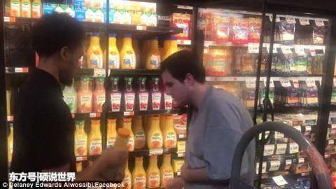 杂货店老板让孤独症患者在店中帮忙30分钟 温暖治愈