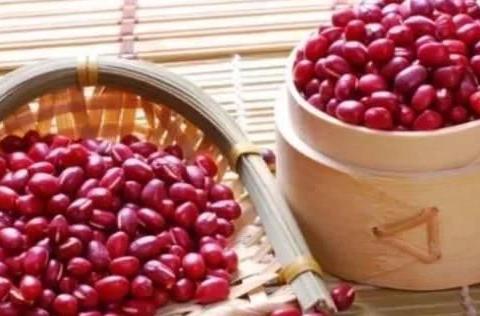 以下食物可以帮助祛湿,薏米只能算是第二名,第一名少有人知!
