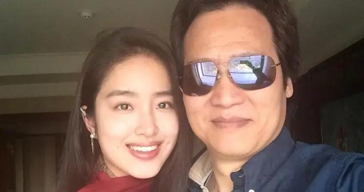 """""""富家千金""""杨采钰的成名史和她背后的大佬"""