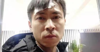 临沂:男童公园溜冰遇险 重庆人刘松勇救男孩