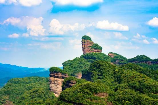 """中国最""""危险""""的寺庙:位居百丈香客却络绎不绝,你有去过吗?"""