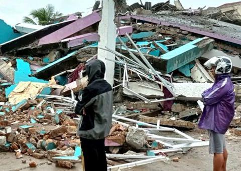 印尼强震已造成67人死亡 全球一天发生三起大地震