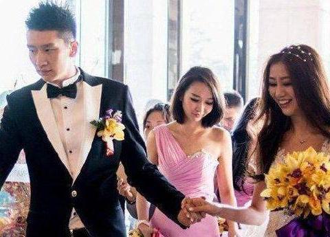 他们是中国篮坛知名度最高的夫妻,被曝早已离婚,男方新女友曝光