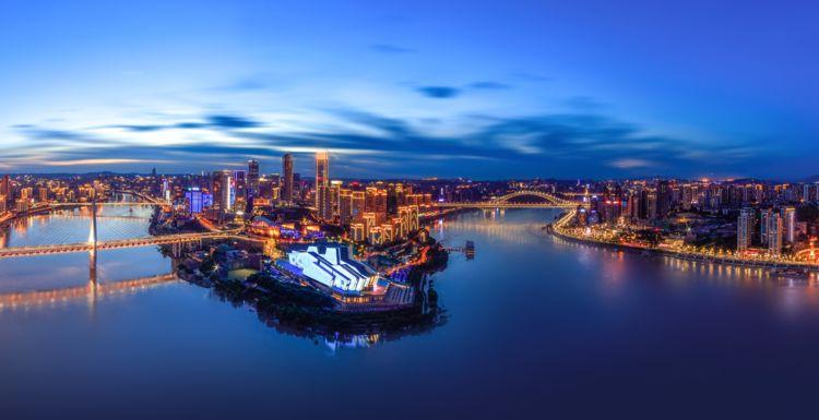 重庆颇为古老的古镇,景色幽静还有不少小吃,假期不妨去感受一下