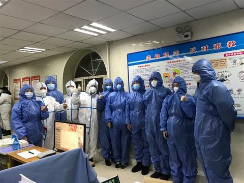 哈尔滨市香坊城管执法局程宇:24小时只喝半瓶冰红茶