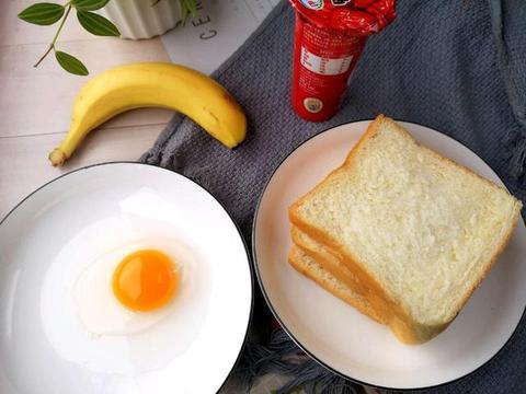 吐司创意新吃法,熊孩子不赖床了,全家吃得饱饱的