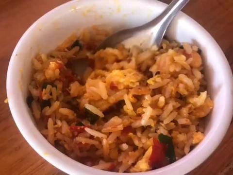兴义万峰林蛋炒饭,怪不得这么多人慕名而来,真是好吃便宜又大碗