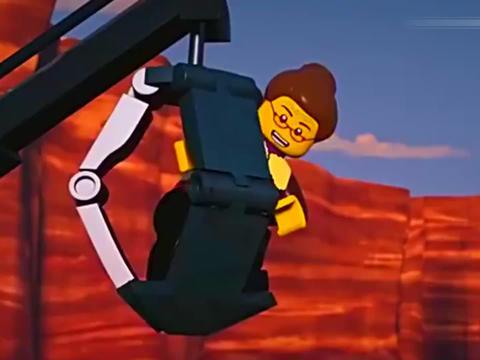杰开着雷霆摩托车强势回归,真是帅呀!夺回时空之刃,拯救忍者