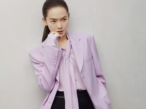 戚薇穿紫色调西装超大气,适合冬季爱美的小伙伴们借鉴