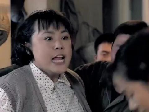 金婚:文丽收拾东西搬新家,庄嫂撒气怼文丽:我要找局长!
