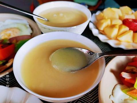简单快手的家常早餐,食材多样巧搭配,玉米糊细腻顺滑,合口营养