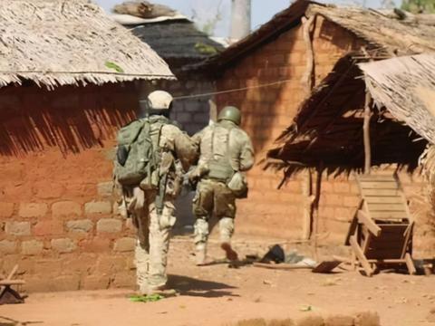 俄罗斯雇佣兵第一回合惨败:中非政府军损失极大,叛军猛攻首都