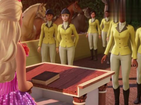 芭比:公主完成了演讲,她不再恐惧社交,还跟王子聊了起来