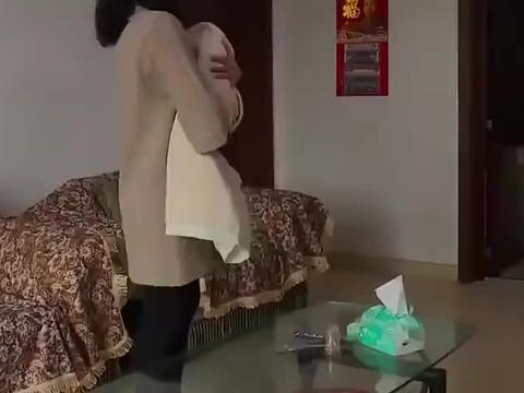 男子做完亲子鉴定后,回家怒骂妻子,开始了对妻子的折磨