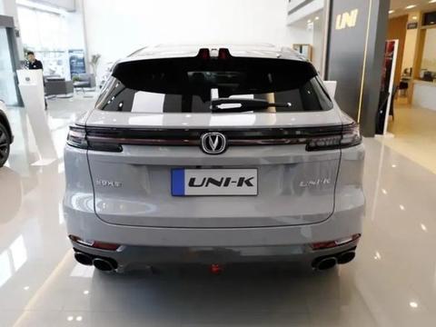 又一新车入局中型SUV市场,2.0T爆发233马力,虽是国产但很豪华