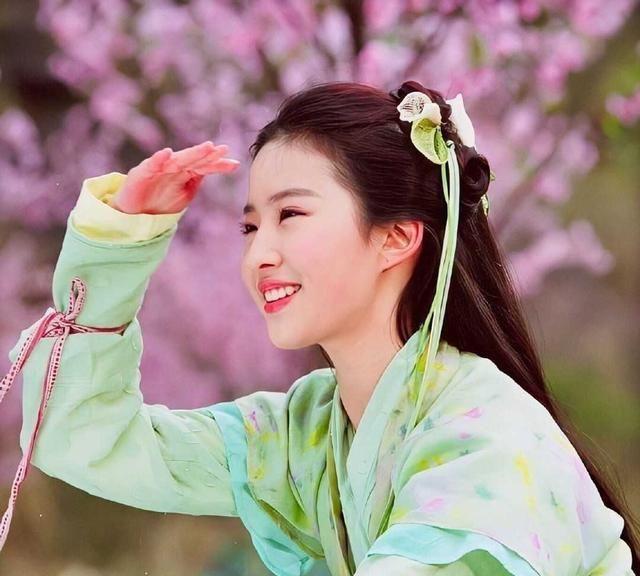 陈钰琪画上刘亦菲的妆,能去演赵灵儿吗?