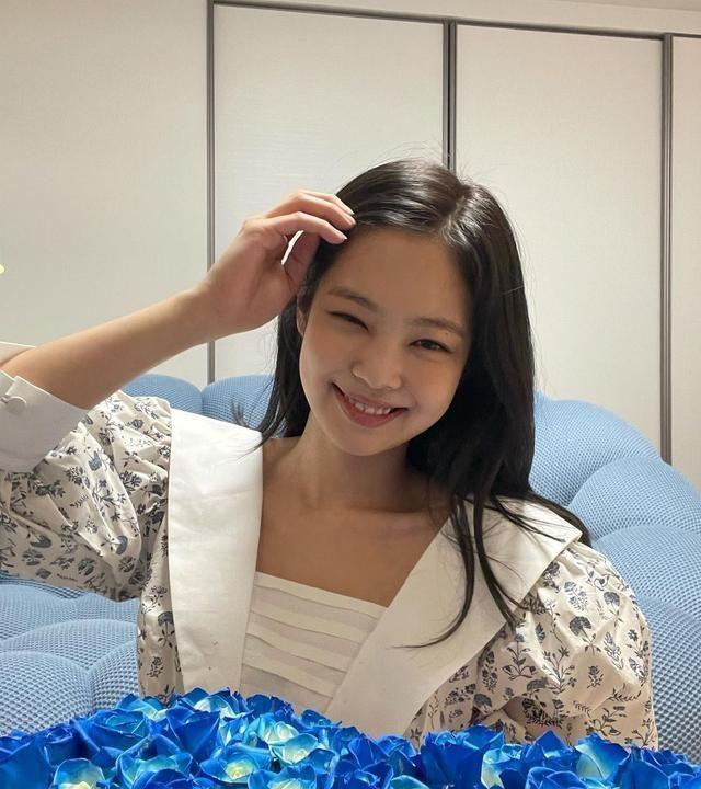 Jennie:我的生日礼物!