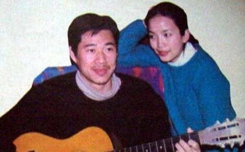 公公是张丰毅,婆婆是吕丽萍,出道五年不温不火,被靳东意外带火