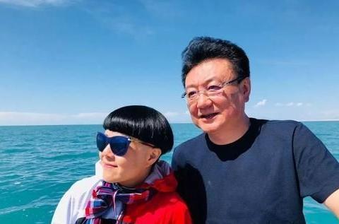 """王宁和""""金龟子""""刘纯燕结婚32年,王宁妈妈一语道破他们的关系"""