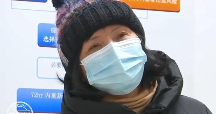 """肺部莫名长了""""巨大肿瘤"""",可她从不抽烟!医生:类似病例在增加"""