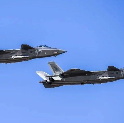 """港媒:中国军工正改进歼-20""""心脏"""",直到其可以匹敌F-22"""