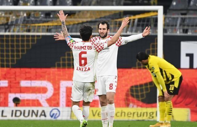 德甲再爆大冷门,垫底球队逼平多特蒙德,罗伊斯罚丢点球