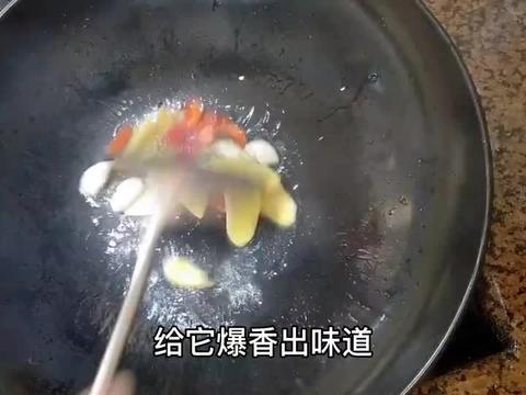 肥肠怎么做才好吃?大肠豆干煲家常做法,这样炖脆爽美味无异味