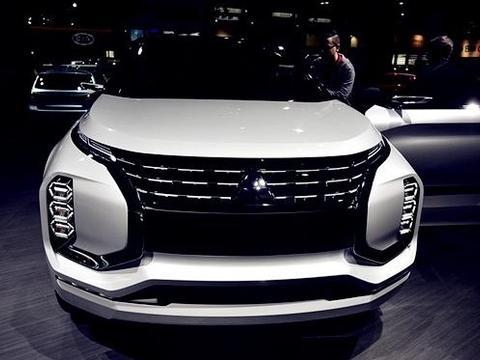 """SUV界又一""""颜王"""",配隐藏式门把+大尺寸轮毂,比卡宴帅气"""