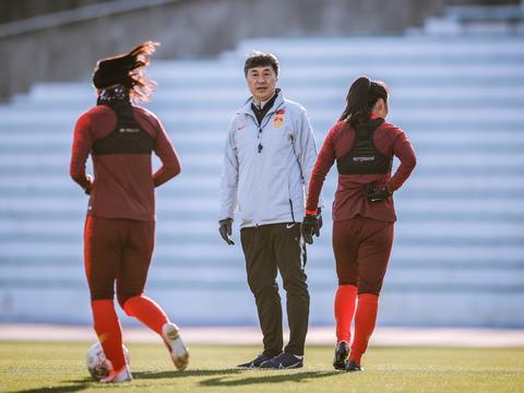 津媒:女足奥预赛可能再次延期 中国女足暂无集训计划