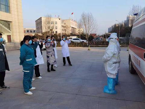 新野县人民医院开展新冠肺炎转运应急演练