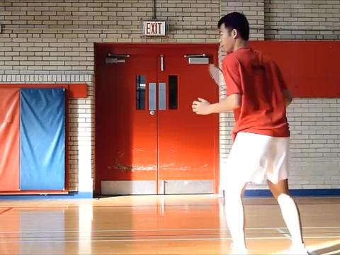 美国华裔业余羽毛球高手Jimmy Lin:后场跳杀步法动作示范与分解