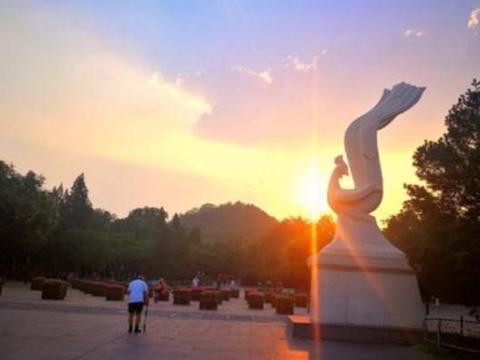 """唐山""""美得冒泡""""公园走红,位居市中心,被誉为""""园林瑰宝""""!"""