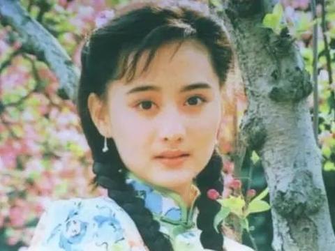 昔日琼瑶最美女星,为情捧红老公却惨遭离婚,如今活成这模样