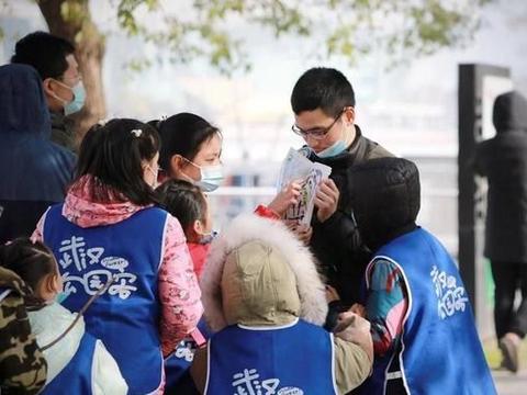 月湖畔观鸟,小学生探寻候鸟在武汉越冬奥秘,认识大自然