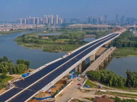 中国了不起的铁索桥,13根40吨铁锁全人工建造,已有300年历史