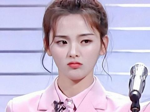 杨超越、侯明昊新综艺中吻戏太甜蜜,真谈恋爱也不过如此了吧