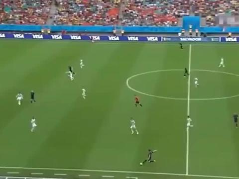 经典回顾:世界杯历史最佳头球!没有之一!范佩西鱼跃冲顶!