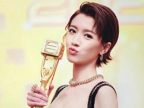 TVB女艺人势力排行榜,朱晨丽跌至榜尾,胡定欣与汪明荃平排