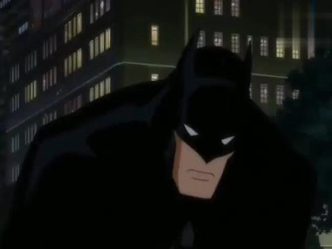 皇家同花顺抢劫银行被蝙蝠侠发现,蝙蝠侠呼叫正义联盟后率先迎击