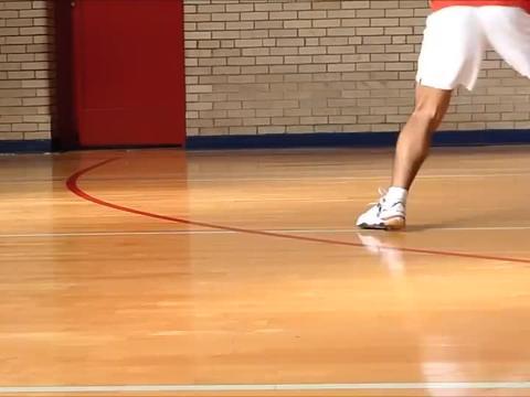 美国华裔业余羽毛球高手Jimmy Lin:全场步法慢动作示范,请收藏