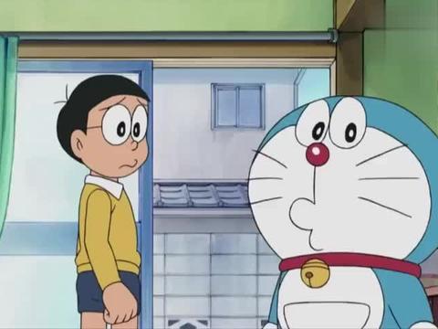 哆啦A梦:哆啦A梦被野猫抓伤,老鼠给他上药,这年头世道变了啊!