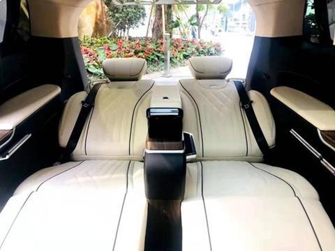 广汽传祺M8中期改款车型上市 售价为17.98-26.48万