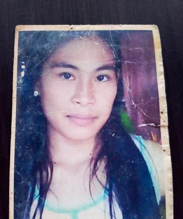 菲律宾女子衣不遮体被家人监禁5年,家里辩称没钱送她去精神病院