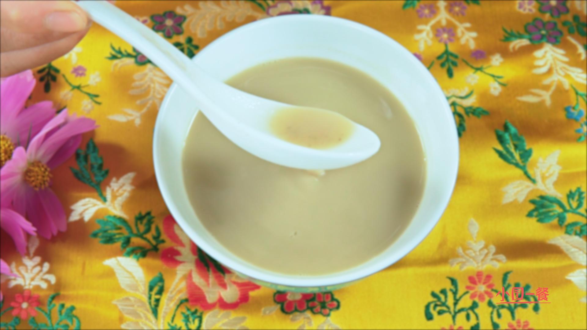 清平乐中七宝擂茶,花生米、芝麻、绿豆、红豆七种食材汇聚浓香