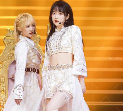 戴萌孙芮携SNH48众萌妹热舞