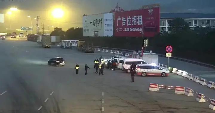 福州交警开展面包车超员专项整治行动